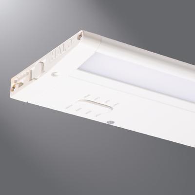 Cooper Lighting by Eaton HU30BSC18MB HU30BSC18MB COOPER-LTG HALO UNDERCAB 4 CCT + USB 18 BLK